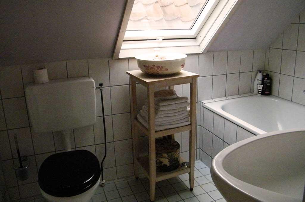 Design Badkamers Utrecht : Second floor :: la perle bed & breakfast utrecht